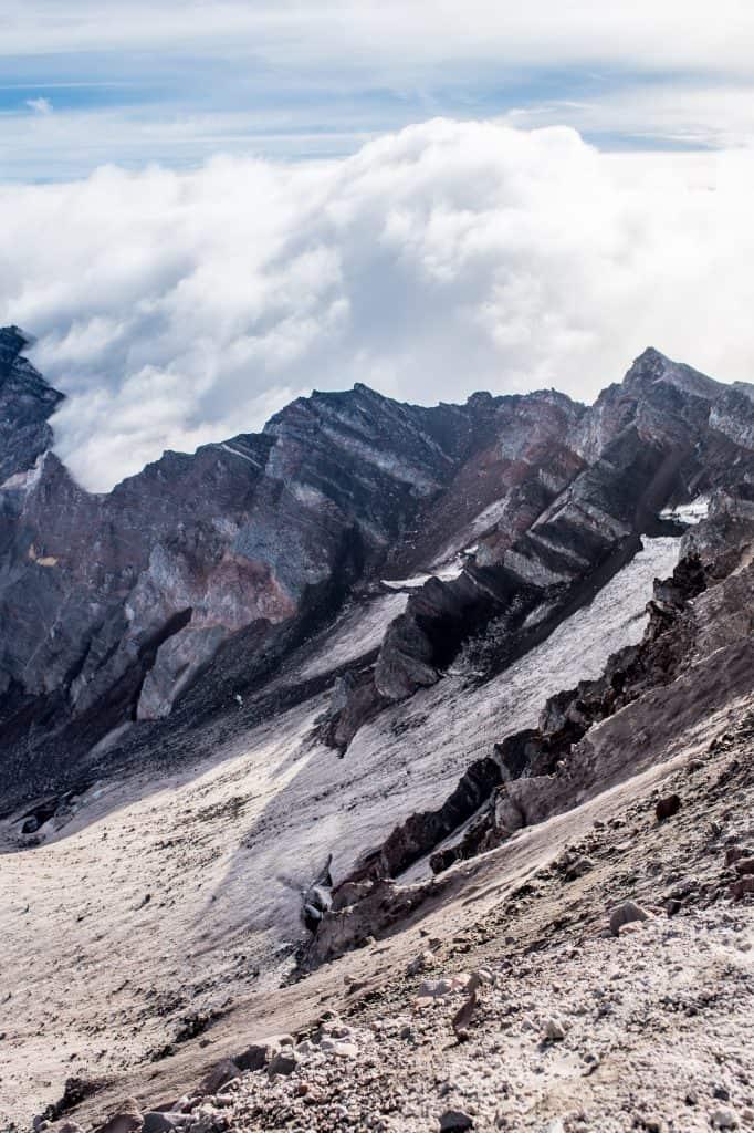 Summiting Mount St. Helens | Tips for Mount St. Helens | What to pack Mount St. Helens | Mount St. Helens permit | #MountStHelens #Washington
