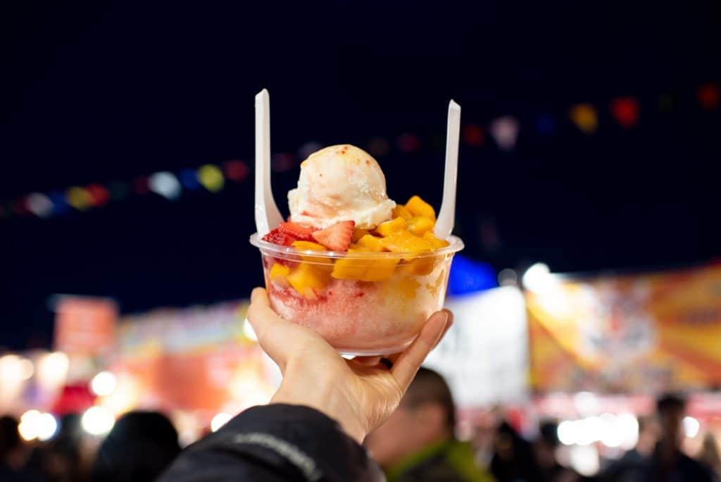 Icy Bar Shaved Ice | Richmond Night Market | Best food Richmond NIght Market | Must eat food Richmond Night Market | Vancouver Night Market | Richmond Night Market Food