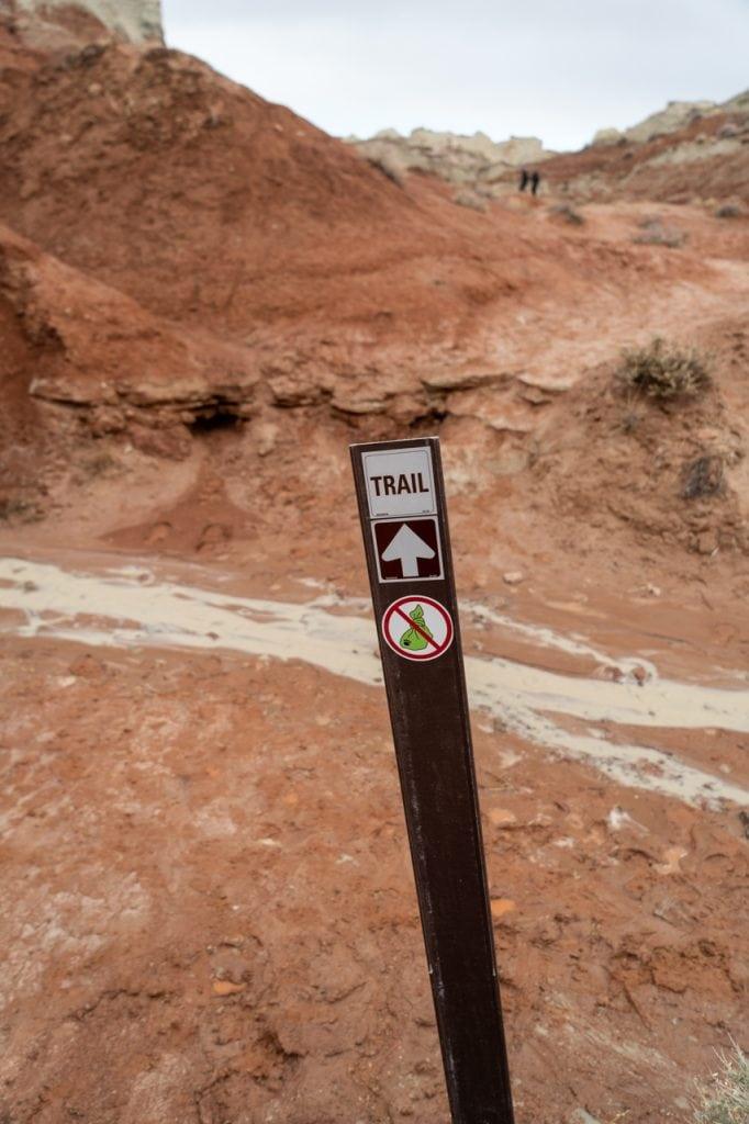 Toadstool Hoodoos trail